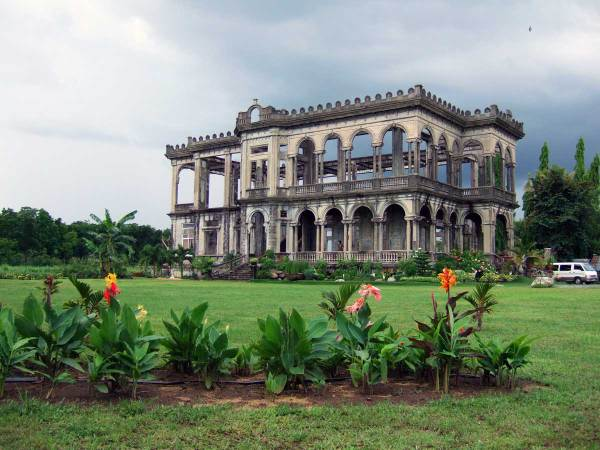 """""""The Ruins"""" Talisay, Bacolod"""