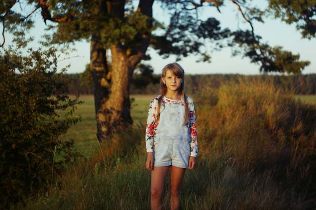 Countryside little girl portrait picture