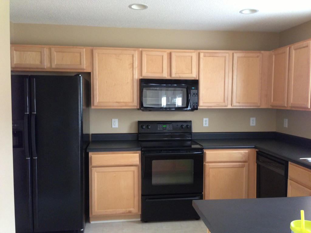 how to paint kitchen cabinets beige kitchen cabinets