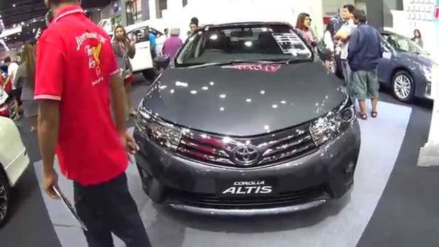 New Model 2017 Toyota Corolla Altis 1.6 Automatic Price Mileage Features Colors Reviews