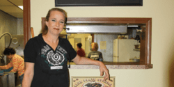 Roller Skating Waitress Brings New Meaning to 'Meals on Wheels'