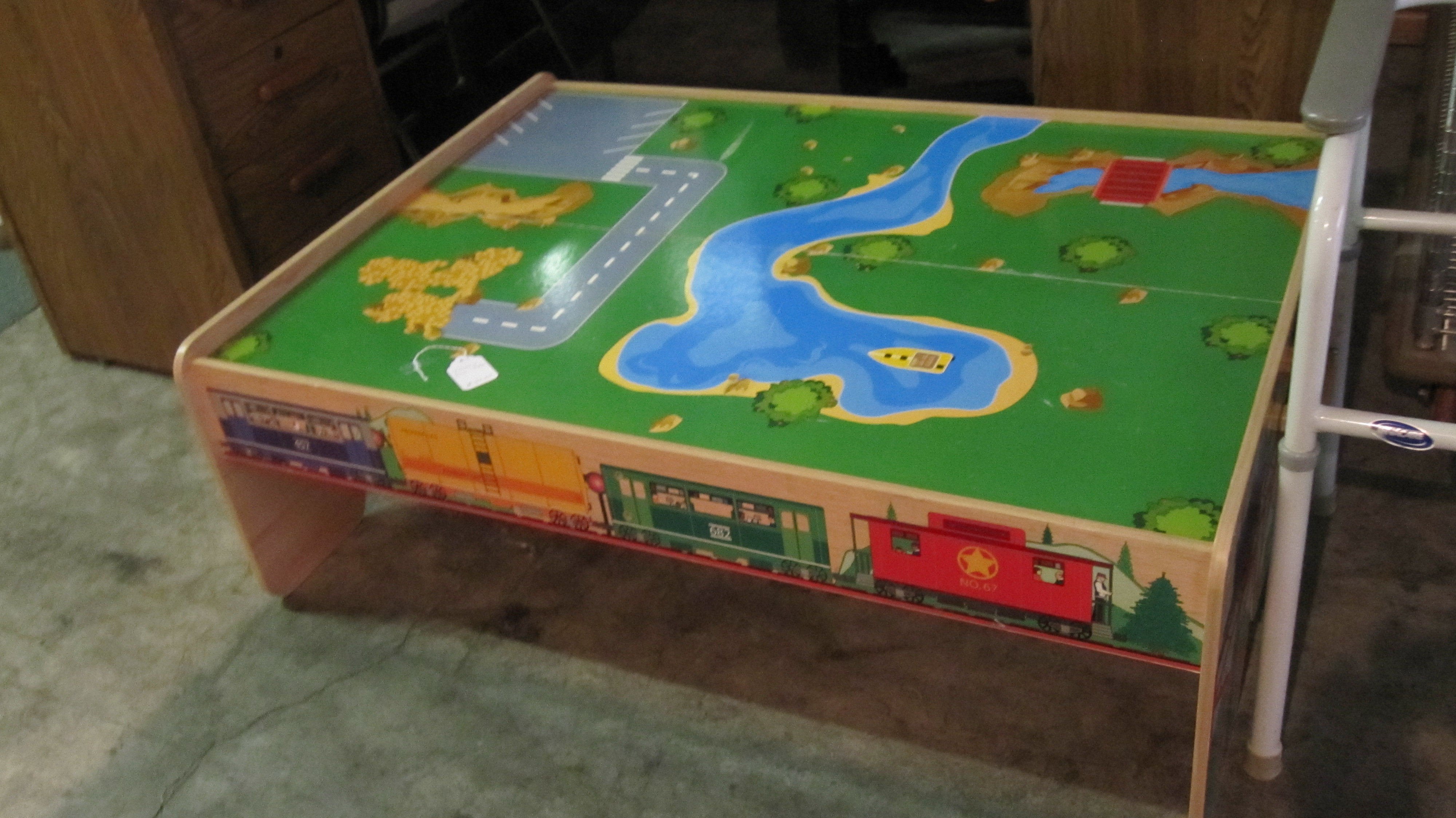 Pretty Thomas Train Table Red Door Consignment Furniture Gallery Thomas Train Table Replacement Thomas Train Table Set Up baby Thomas The Train Table