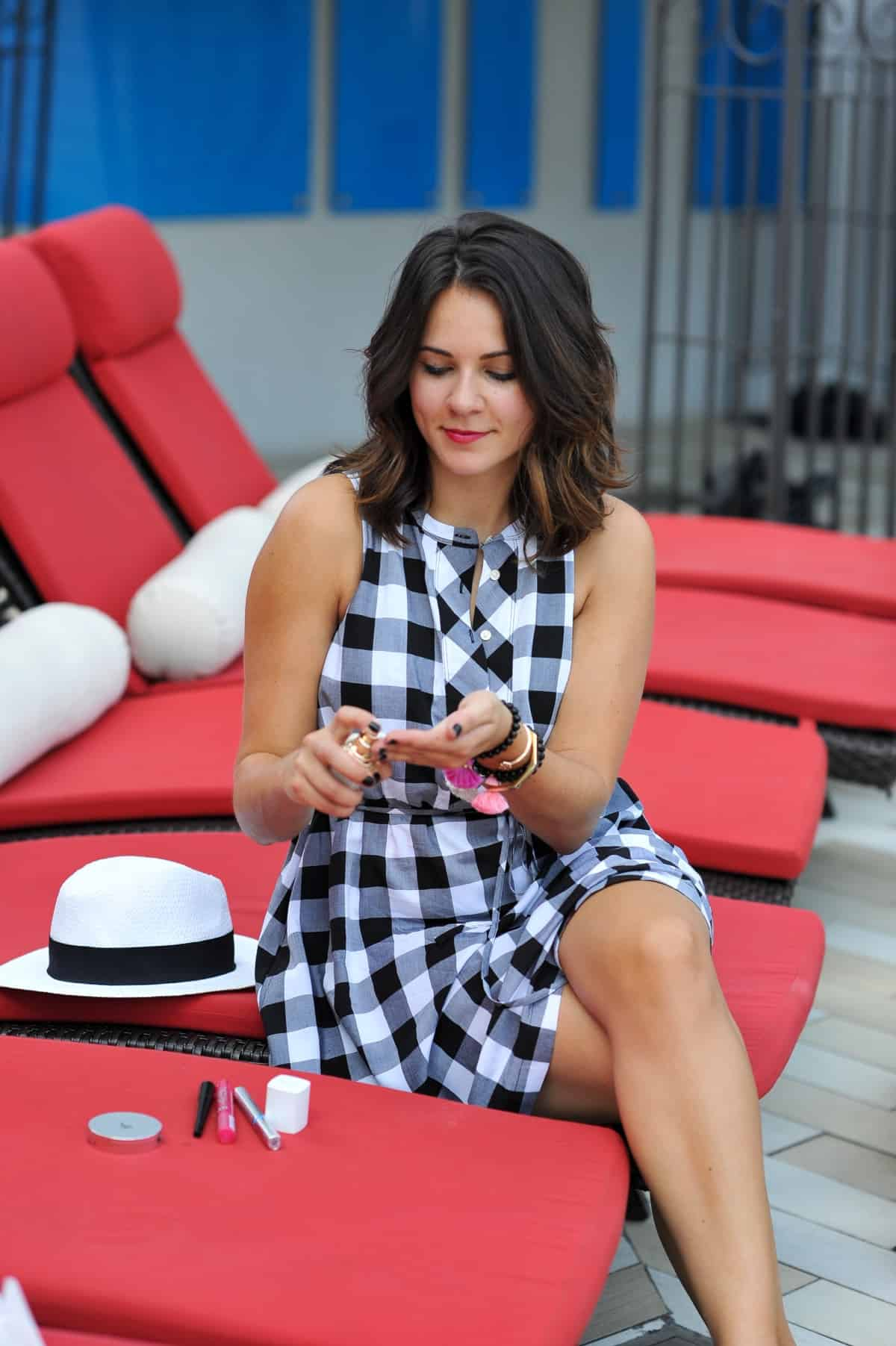 beauty tips and tricks for summer heat, pool party makeup ideas via @mystylevita