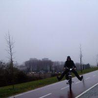 """volta não volta, lá volto eu à temática """"pedalar à chuva"""""""