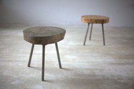 Pine tripod side table 40 cm diameter