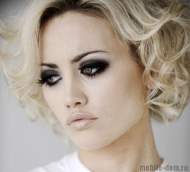Белый с черным макияж