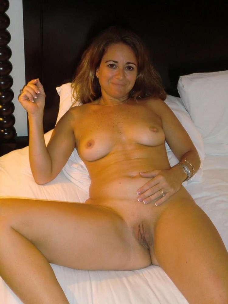 nude mom and daughter s party