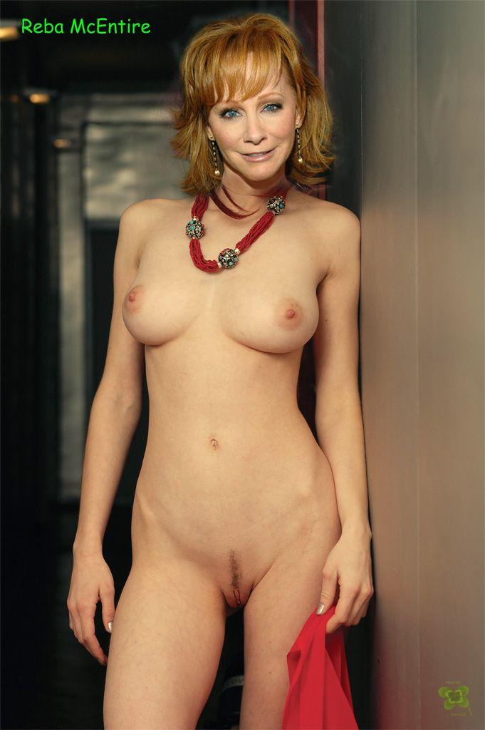 reba mcentire fake nude