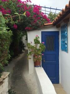 Bairro Anafiotika, quase uma ilha grega