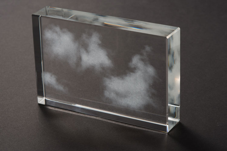 01d_w_miya_ando_kumo-cloud-1-3-17_glass_4x6x1-75-inches_edition-1-of-5-2017-miya-ando
