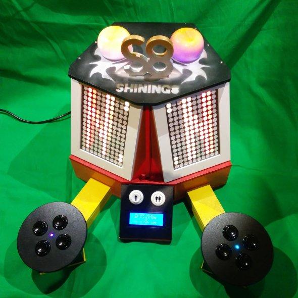 3. Maschine zum 30. Geburtstag von Shining8. Frontansicht.