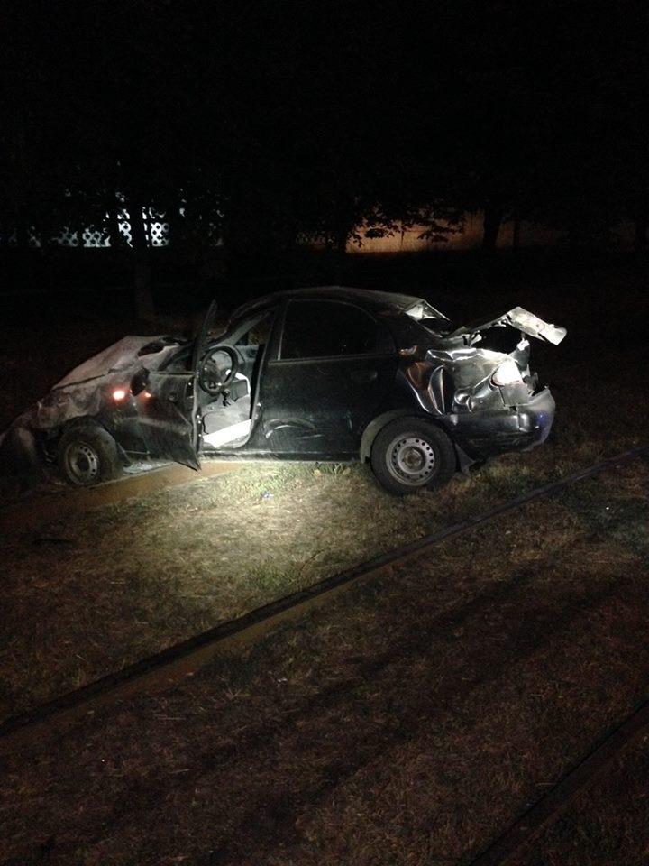 Водитель, пытаясь уйти от погони, покалечил двух девушек