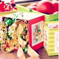 Christmas Discovery Boxes: Simple (and free!) Christmas play ideas.
