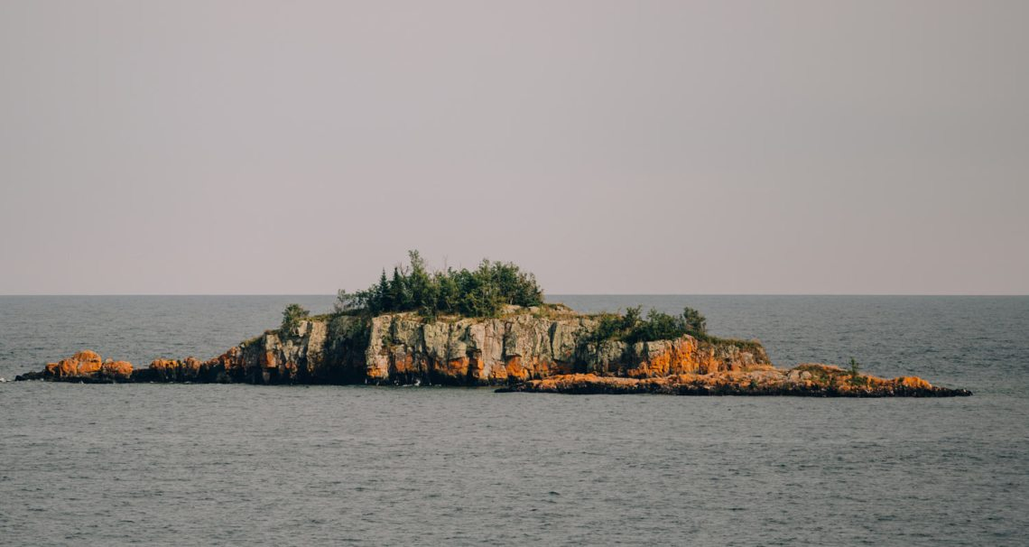 island_lake_superior_isle_royale_national_park_3_tips