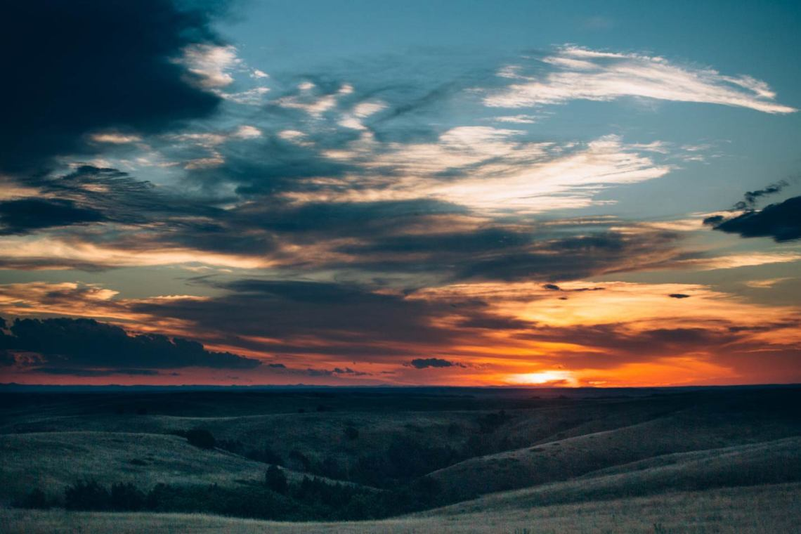 the_art_of_wind_cave_and_badlands_sunset