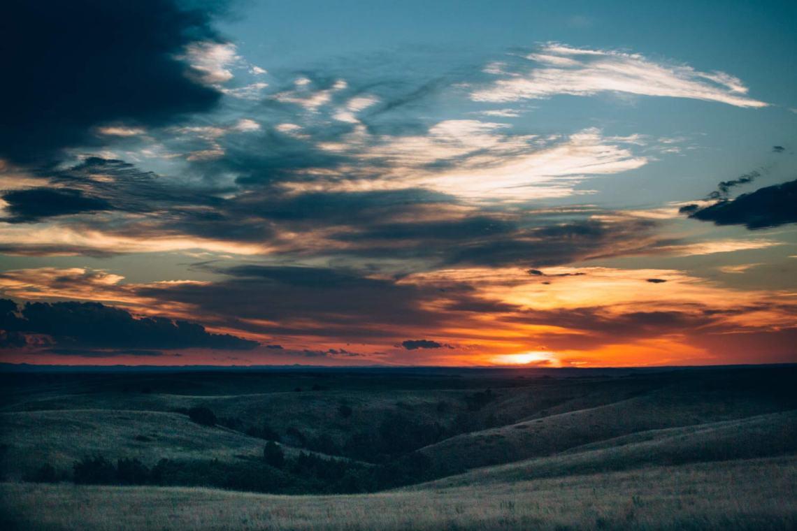 six_creepy_tales_national_park_quest_badlands_sunset