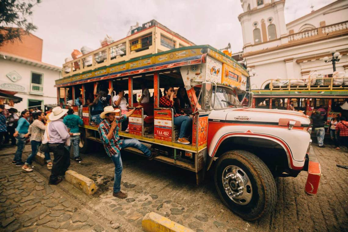 colombia_coffee_break_concordia_town_bus
