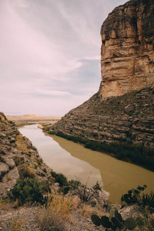 three_birds_three_trails_santa_elena_canyon_view_vista