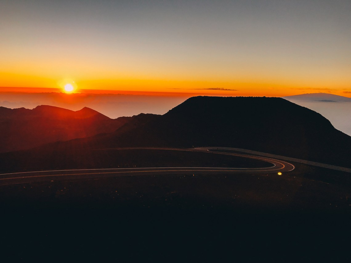 haleakala_legend_sunrise_hawaii_national_park_quest