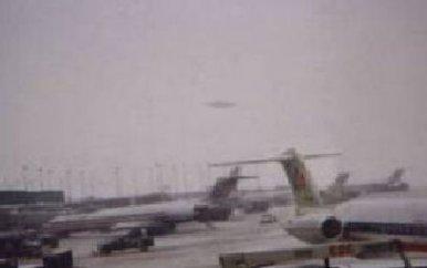 UFO Photo over Ohare Nov 7 2006