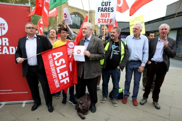 Jeremy Corbyn speaking with trade union