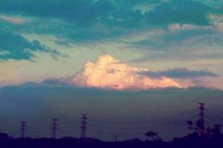 【高解像度】電線のある山並みと入道雲(3パターン)