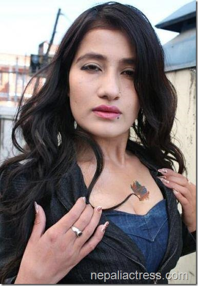 jiya kc shows tattoo on her chest