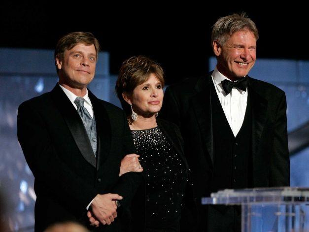Carrie Fisher confirmou que a Leia, Han e Luke irão voltar