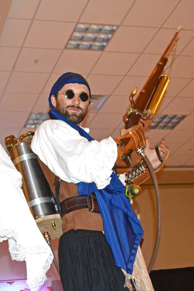 Casey Brose at the Steampunk Fashion Show-Phoenix Comicon 2014