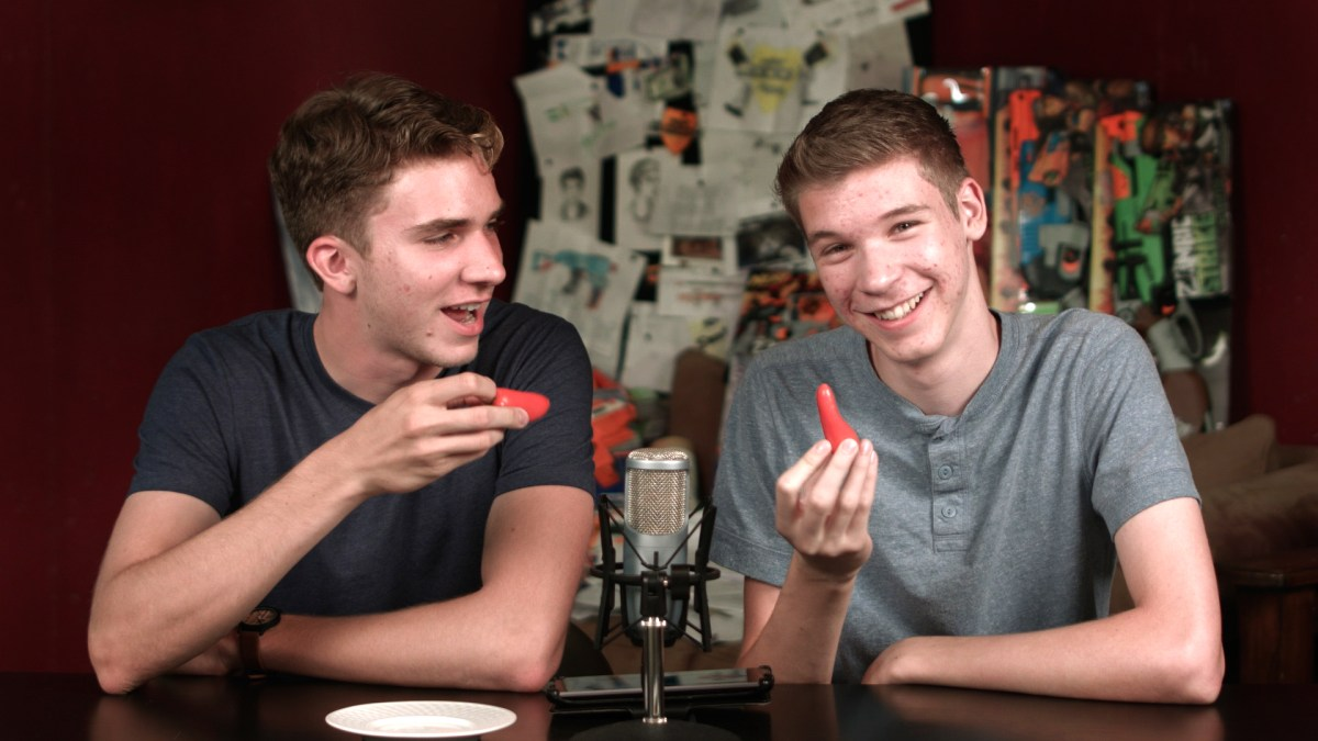 Eating Peppers - Nerf Socom News 20
