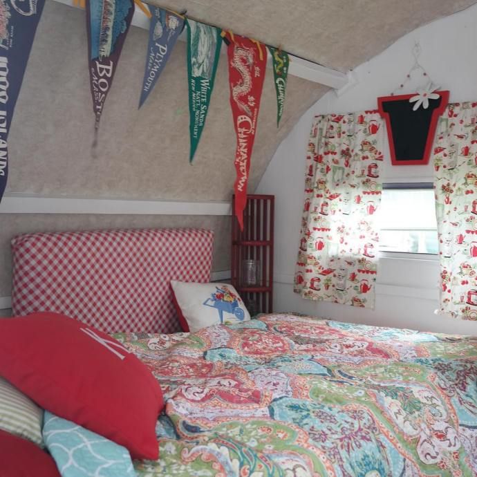 Katies Luna Northern Indiana Vintage Camper Rally VintageTinTrailer vintagetrailers vintagecampershellip