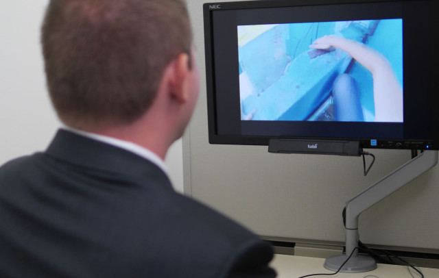 Researcher Looks To Eye Tracking Device >> Eye Tracking In Neuromarketing Research Neurorelay