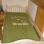 Áron mozdonyos ágytakarója