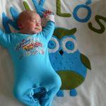 Miklós babára álmában vigyáz a bagolybarát :-)