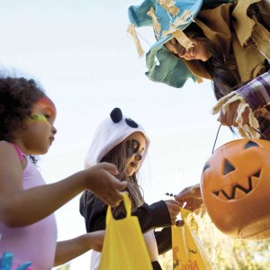 knotts-spooky-farm-trick-or-treating-2
