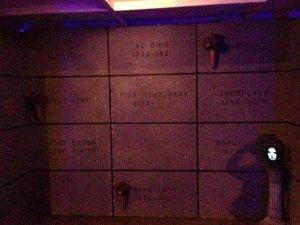 coffinwood-cemetery-2016-mausoleum-wall