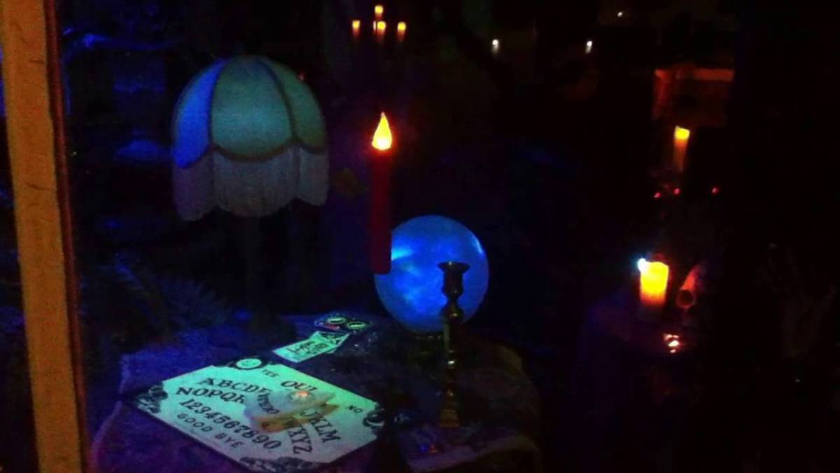 Halloween Home Haunt Odyssey 2016: Farms, Séances & Cemeteries in the Valley