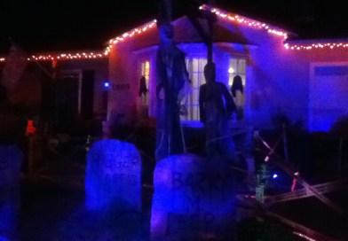 Cool Halloween Yard Display