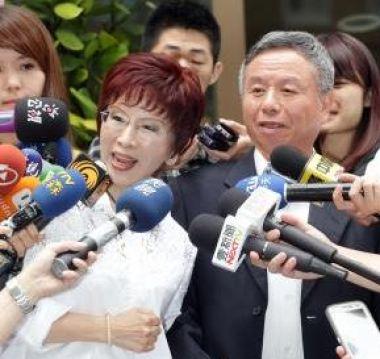 角逐國民黨總統初選的立法院副院長洪秀柱和前衛生署長楊志良。 圖片來源:中央社