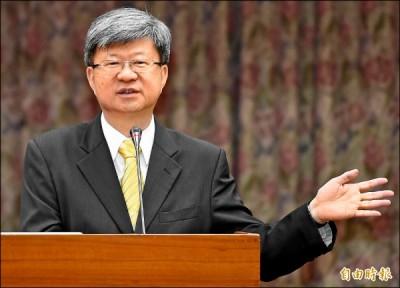 吳思華接受立委質詢,說課綱沒爭議是他驕傲的事情。 圖片來源:自由時報