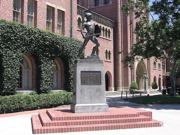 南加大的著名Trojan雕像。 圖片來源:維基百科