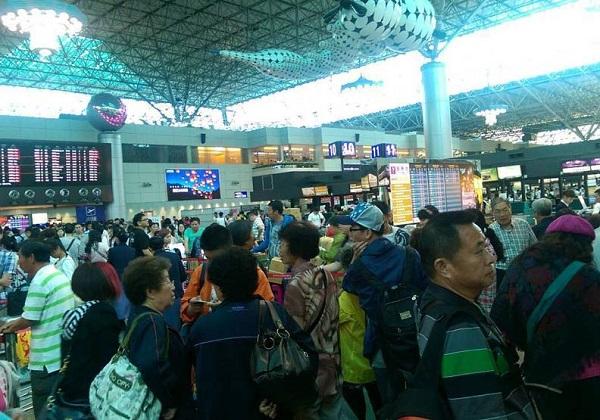 新冠病毒疫情期間,民眾要求航班退票情形湧現。 圖片來源:遠見