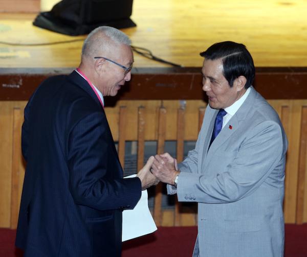 吳敦義稱讚馬英九「年華正盛」。 圖片來源:世界新聞網