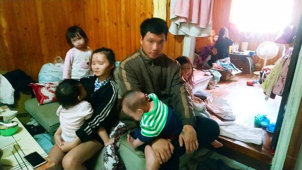 網稱「五寶爸」工作養小孩引發熱議。 圖片來源:蘋果日報