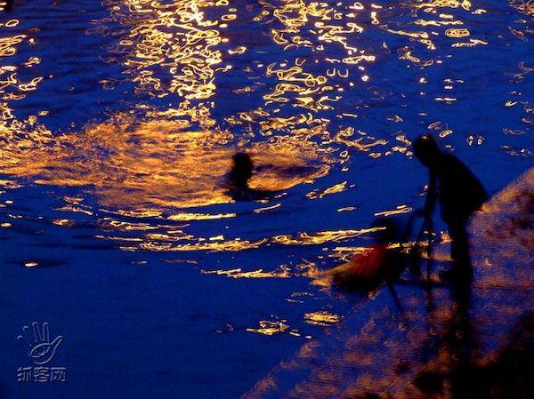 嘗試游過海峽的漢子