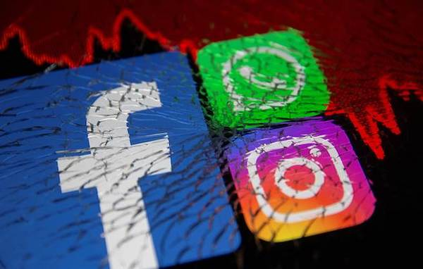 臉書相關服務十月初大當機。 圖片來源:中時電子報