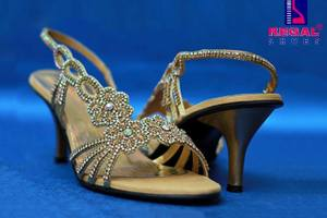 Regal shoes Latest Footwear Collection 2014 For Women (1)