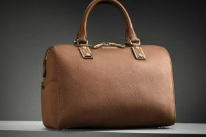 Hugo Boss Reliable Side Pouches Choice for Girls (4)