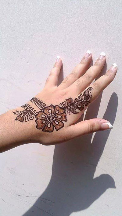 Simple Mehndi Designs for Hands 2