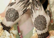 Simple Mehndi Designs for Hands 3